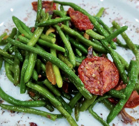 judías verdes con tomate seco de Caspe